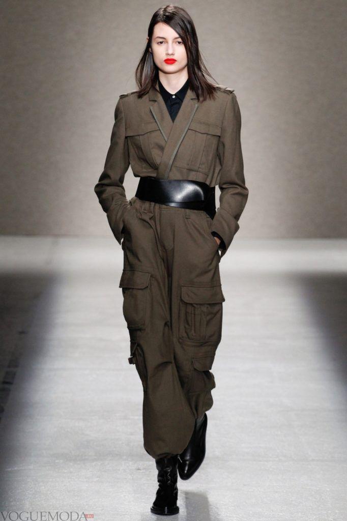 женский комбинезон из твида модный