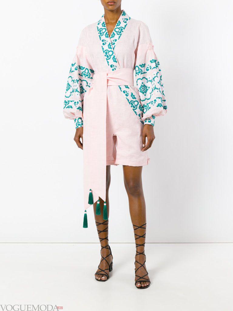 женский комбинезон с шортами розовый