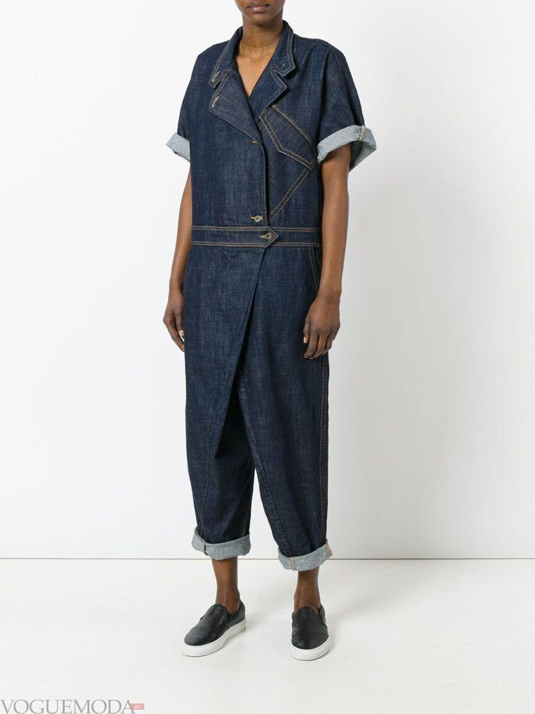 летний джинсовый комбинезон модный