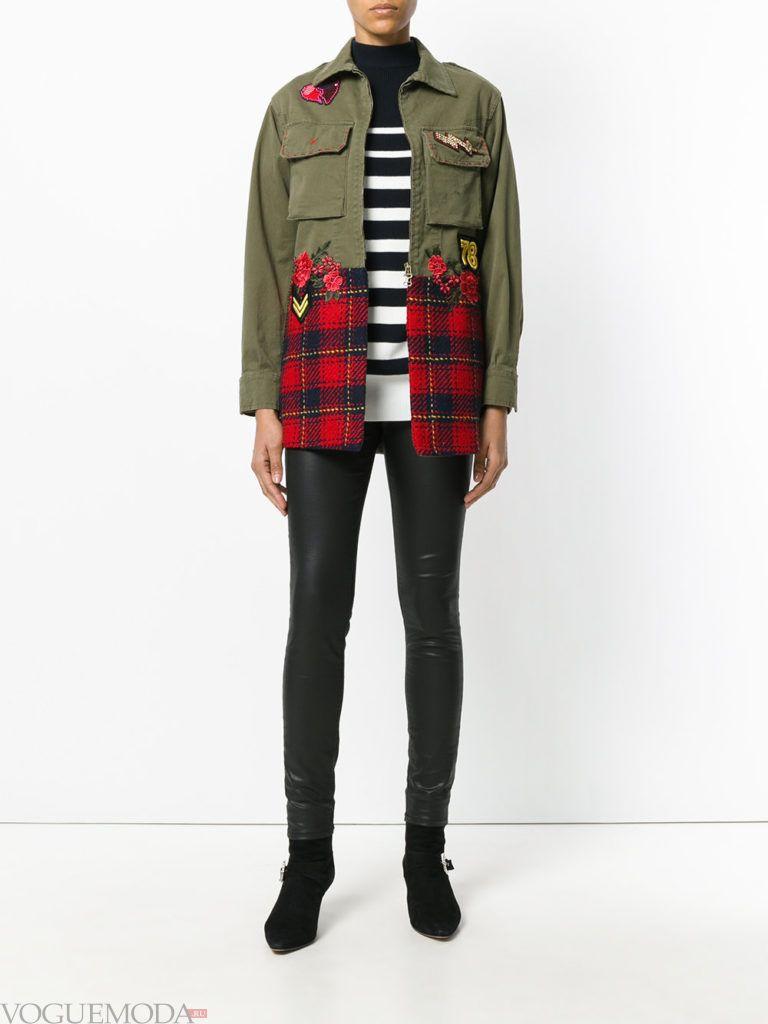 женская куртка в стиле милитари с декором