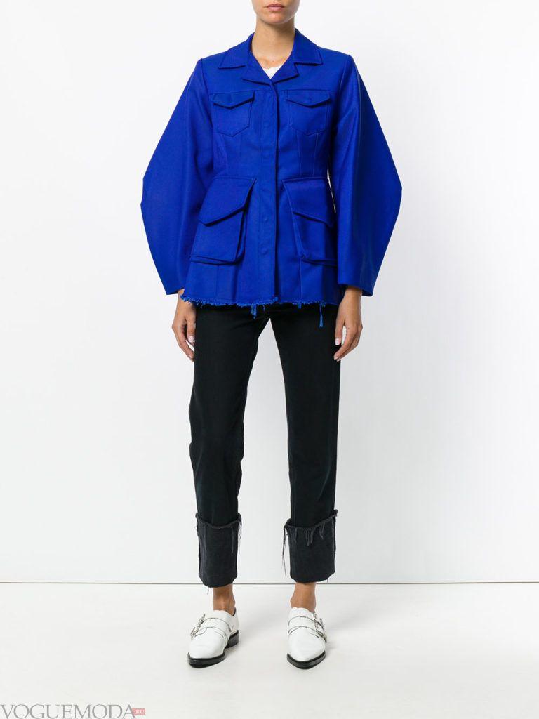 женская куртка в стиле милитари яркая