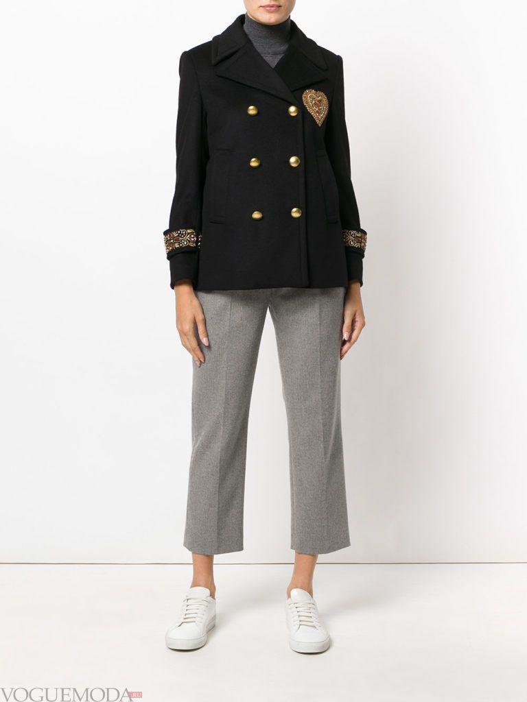 женская куртка в стиле милитари черная