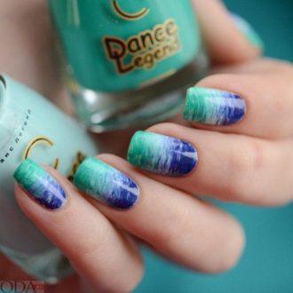 маникюр мазки на ногтях двухцветный