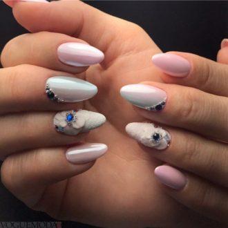 длинные ногти светлые