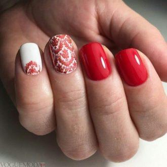 короткие ногти красные