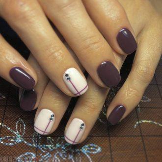 ногти с полосками цветные
