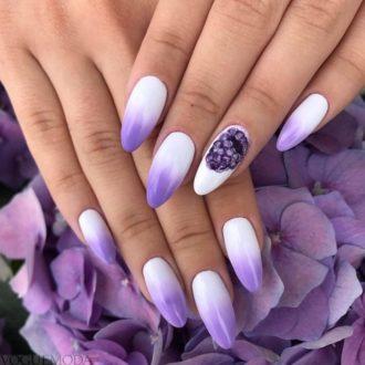 градиентный маникюр фиолетовый