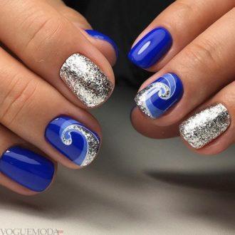 маникюр с серебром синий