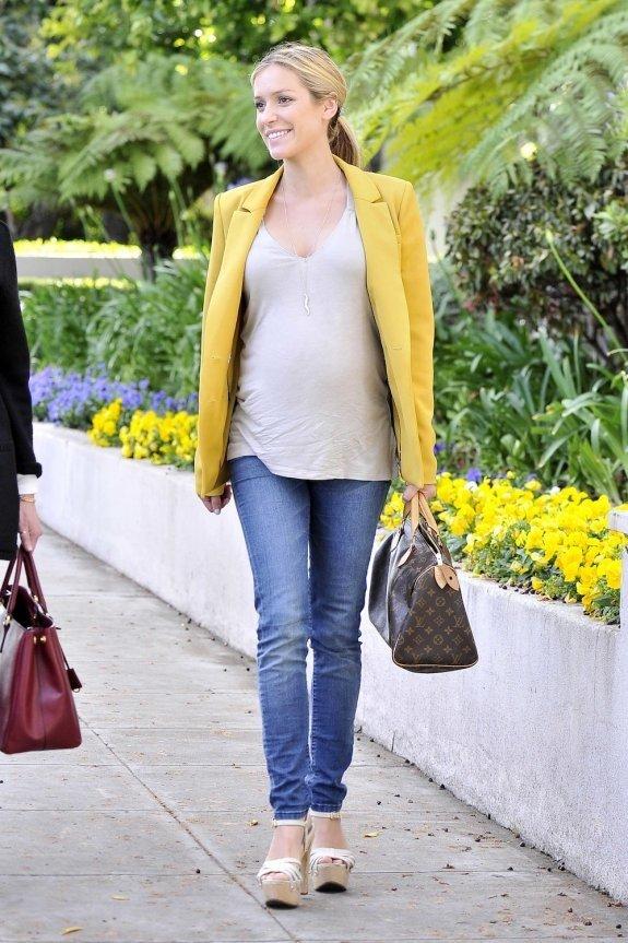 синие джинсы для беременных