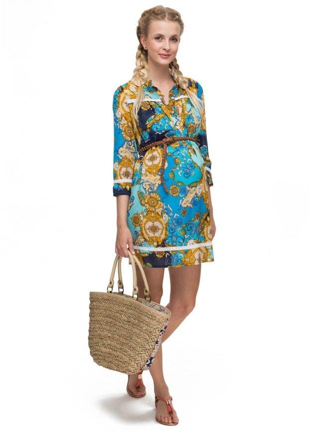 яркое платье с принтом для беременных