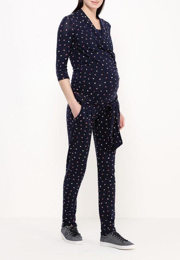 модный комбинезон с принтом для беременных