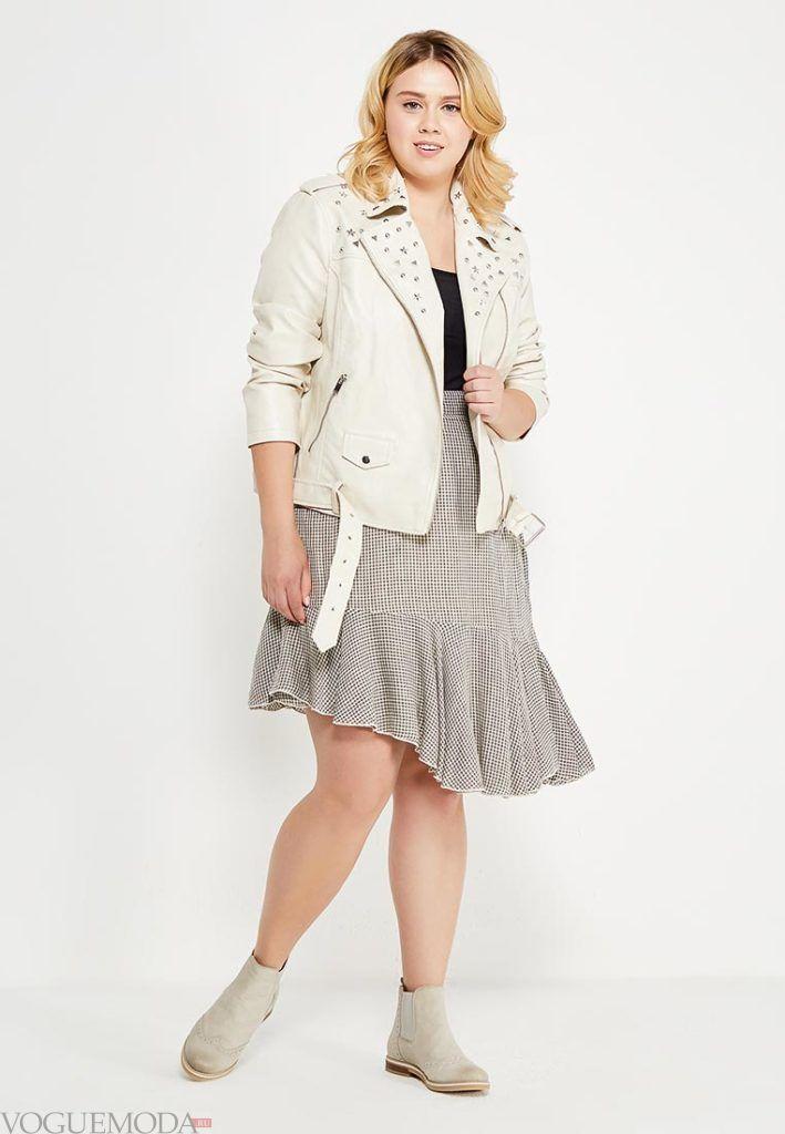 летняя юбка мини с декором для полных