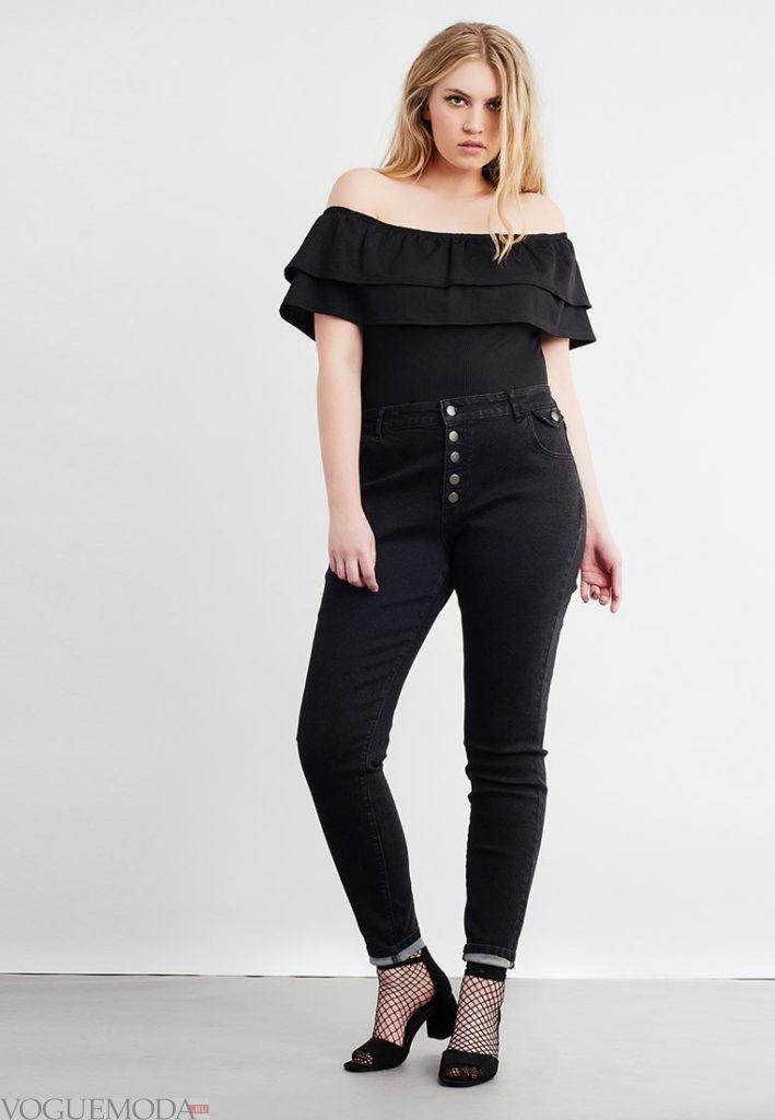 летняя блуза с декором для полных