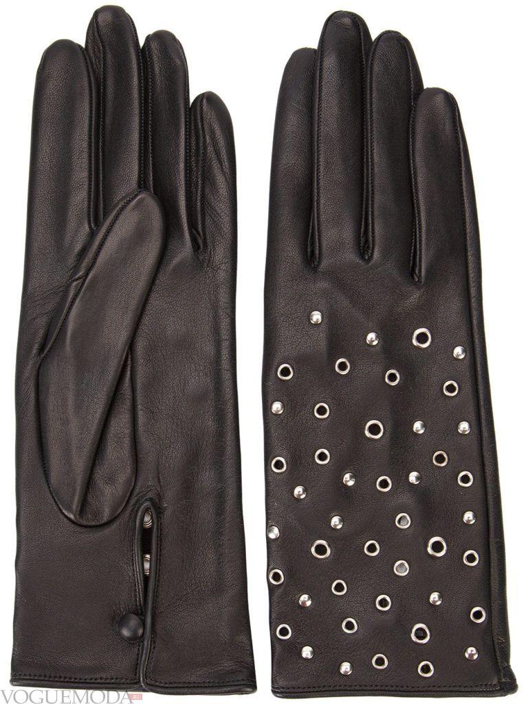 перчатки с заклепками