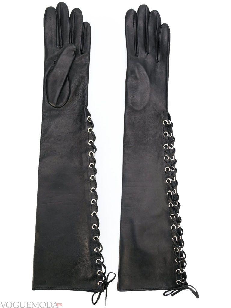 необычные перчатки со шнуровкой