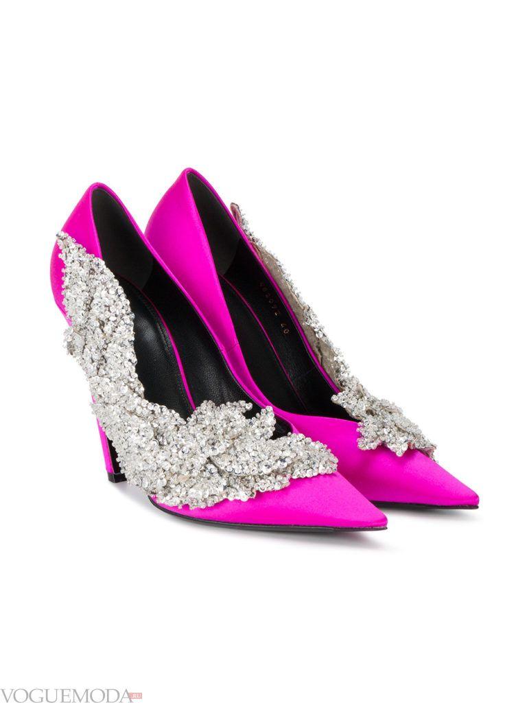 новогодние необычные яркие туфли
