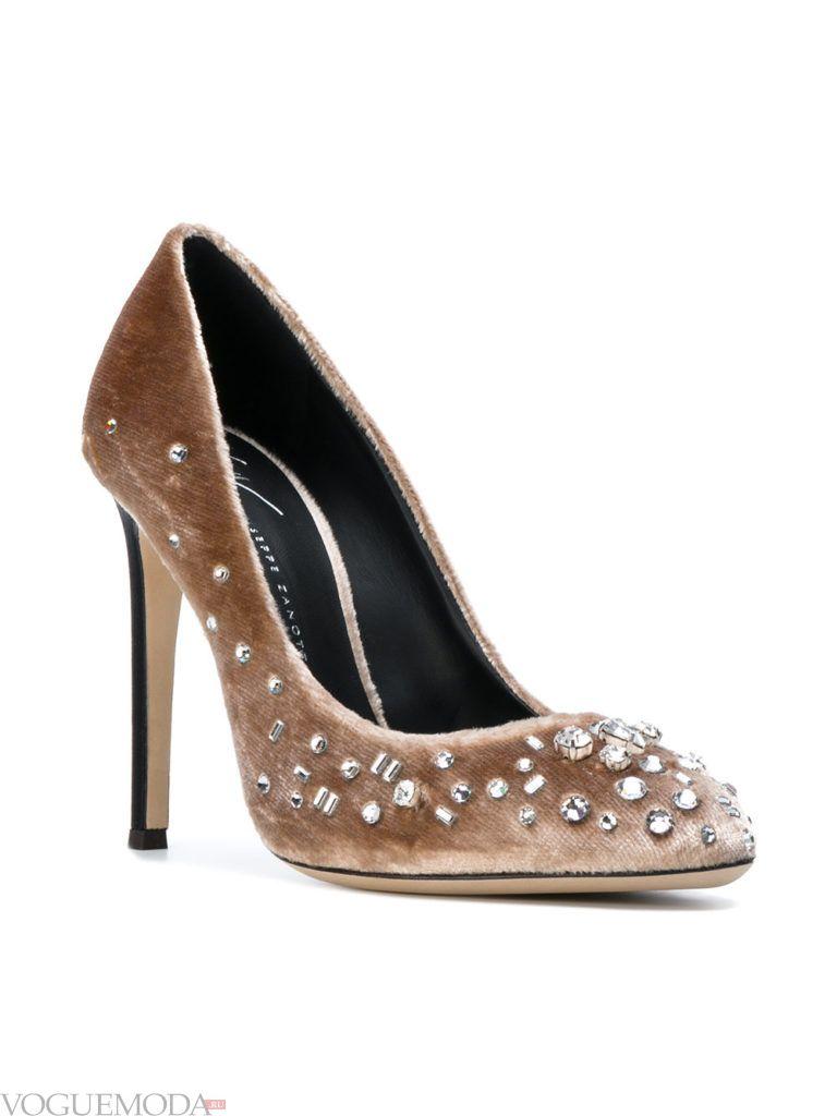 новогодние бархатные туфли на шпильке