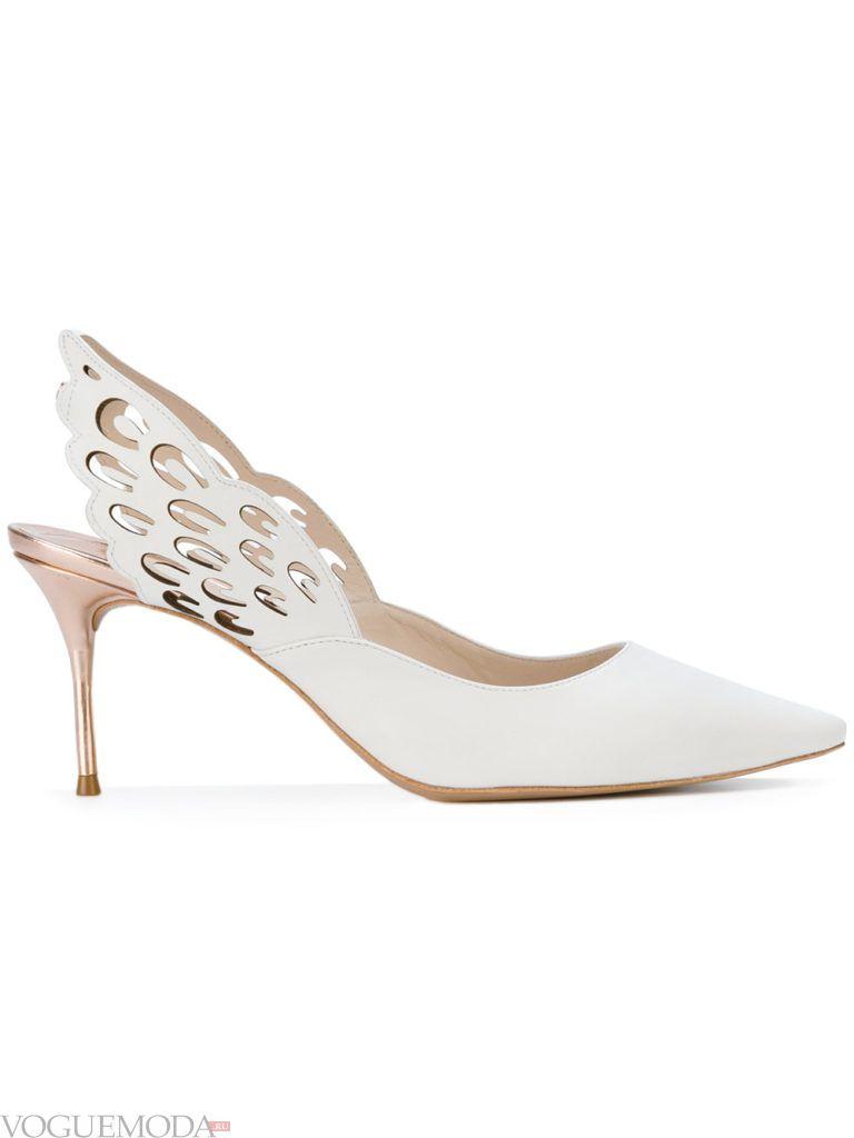 новогодние необычные белые туфли