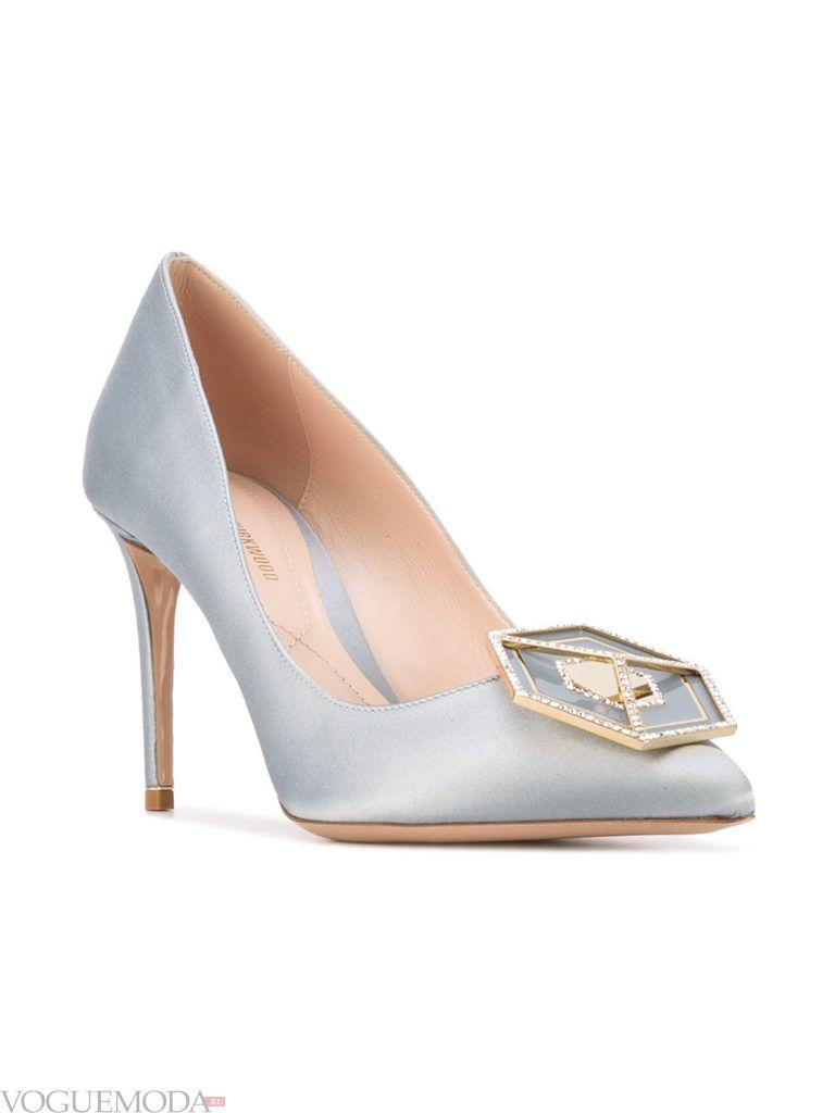 модель новогодних голубых туфель