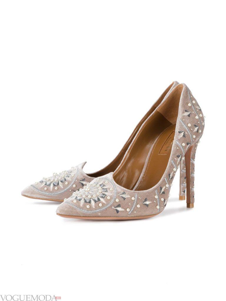 новогодние туфли нюдового цвета