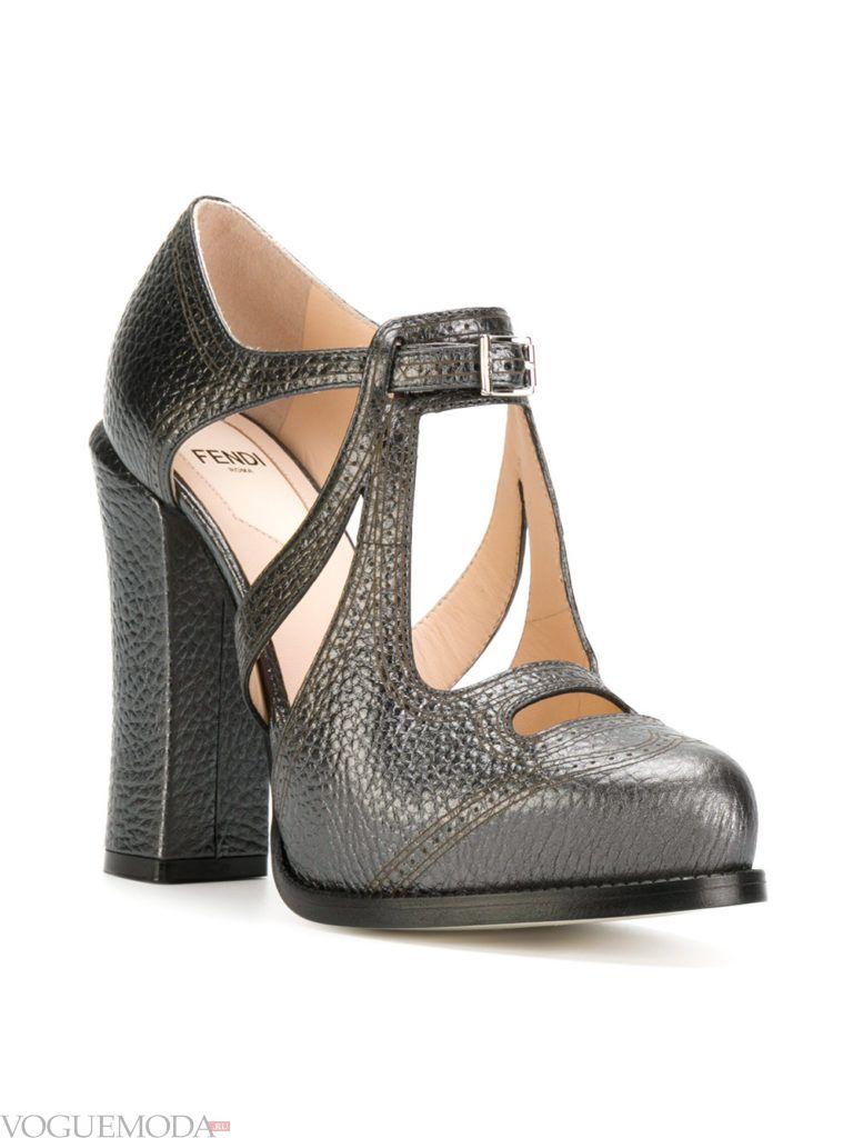 новогодние туфли серого цвета