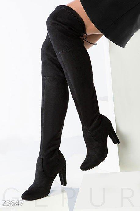 черные ботфорты на каблуке