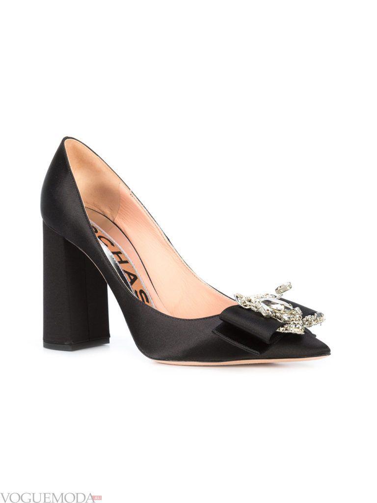 модные новогодние черные туфли