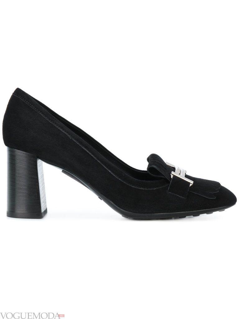 черные замшевые туфли с декором