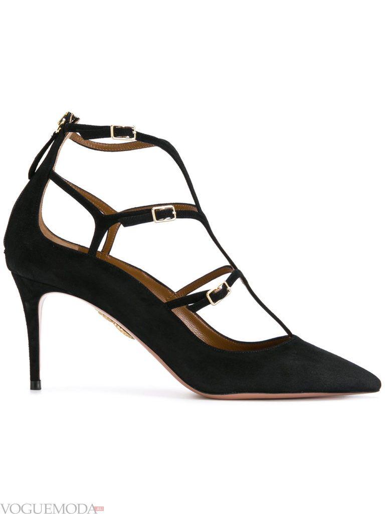 черные замшевые туфли с ремешками