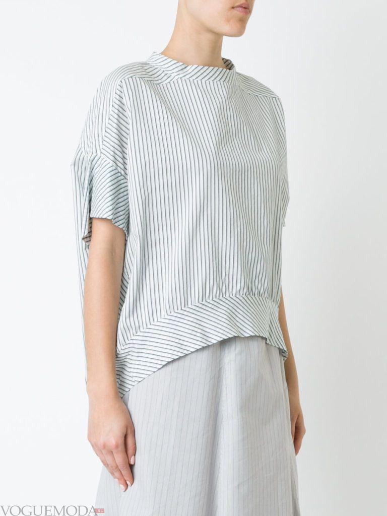 модная блузка с асимметрией светлая