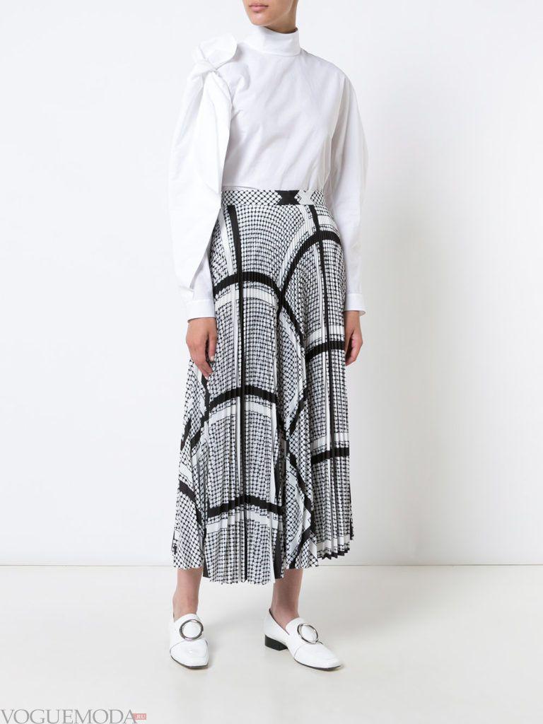 модная белая блузка с воротником
