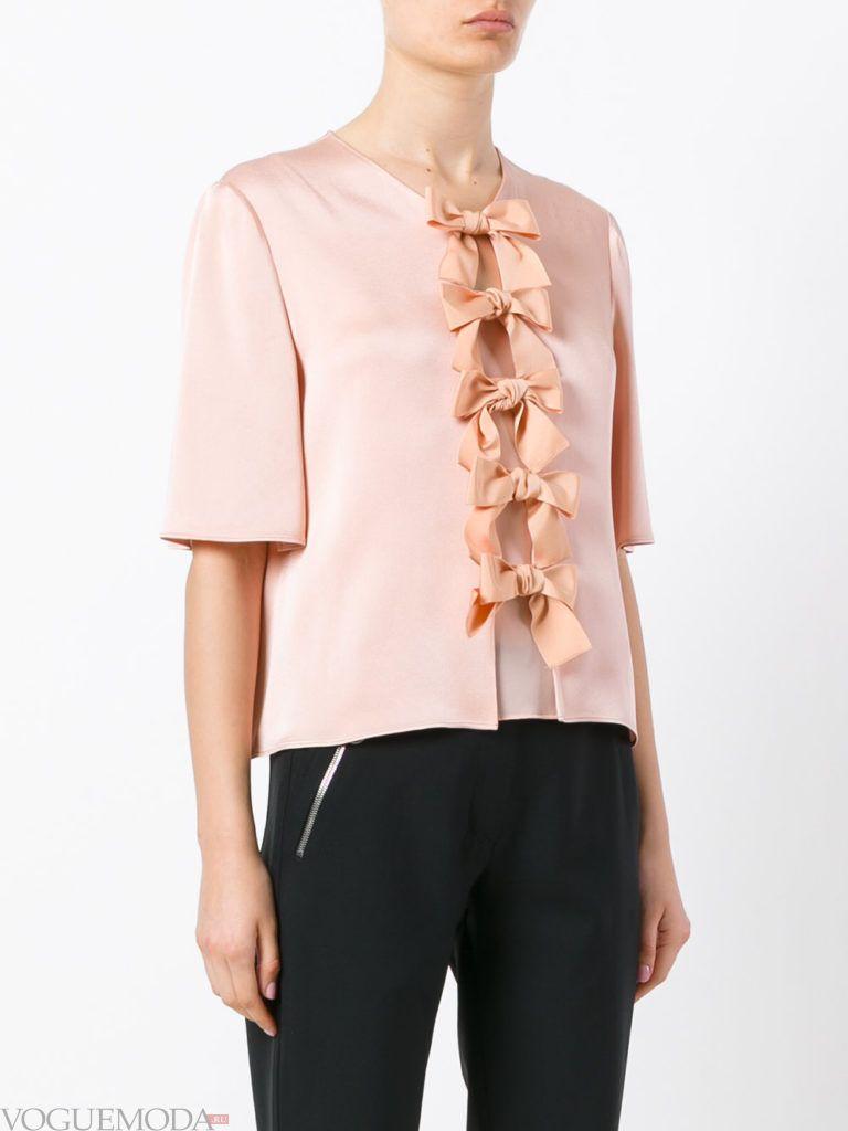 модная блузка с бантиками