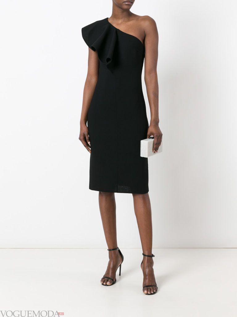 модное черное платье в голливудском стиле