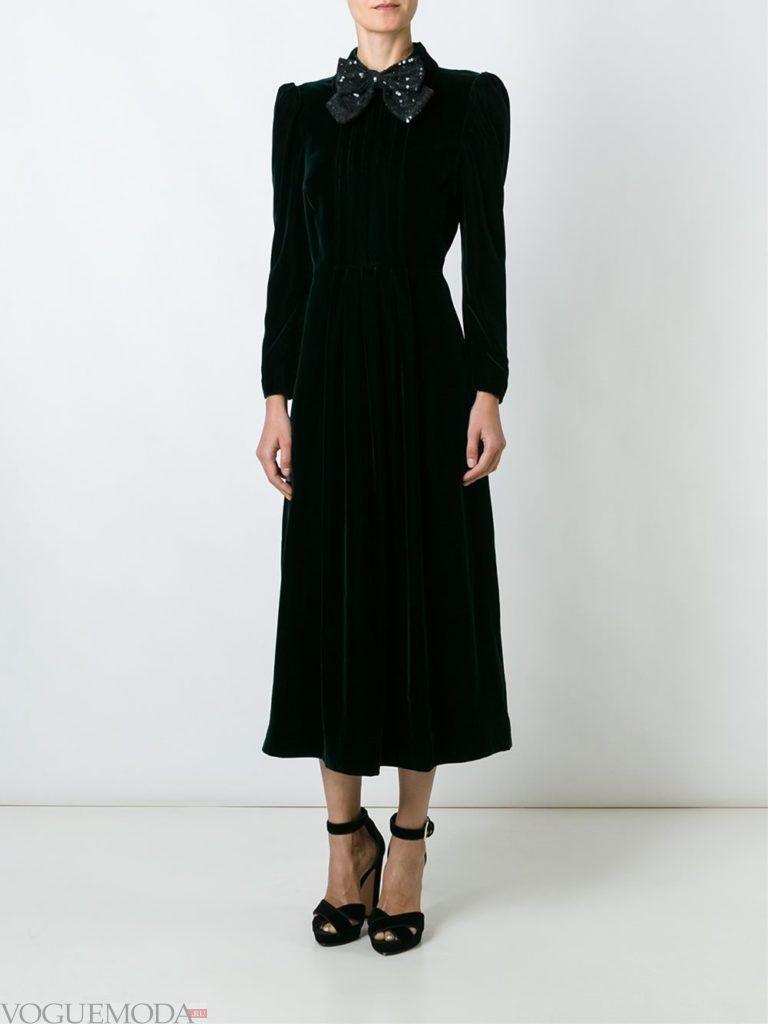 модный лук с бархатным платьем
