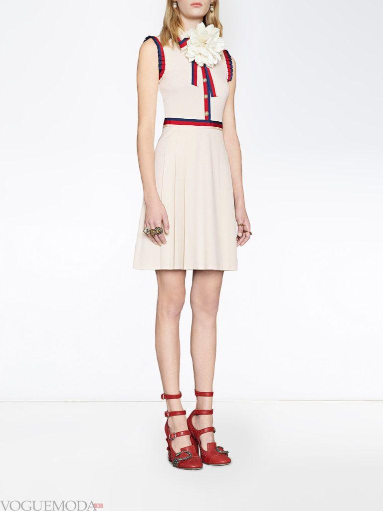 модный лук с белым платьем