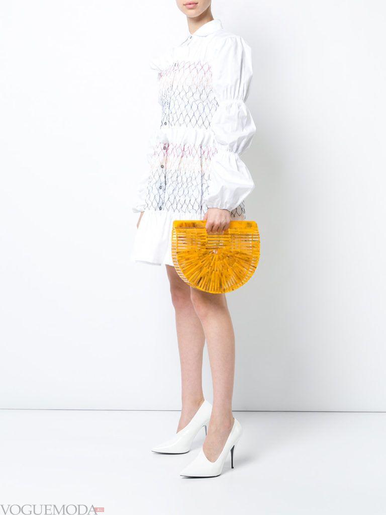 модный лук с желтой сумкой
