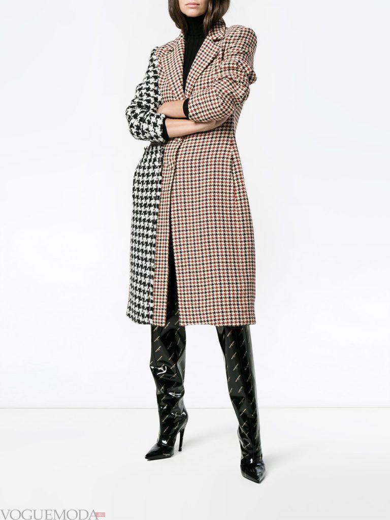 модное пальто в клетку светлое