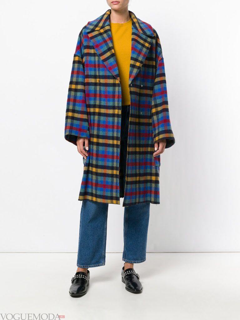 модное пальто оверсайз в клетку