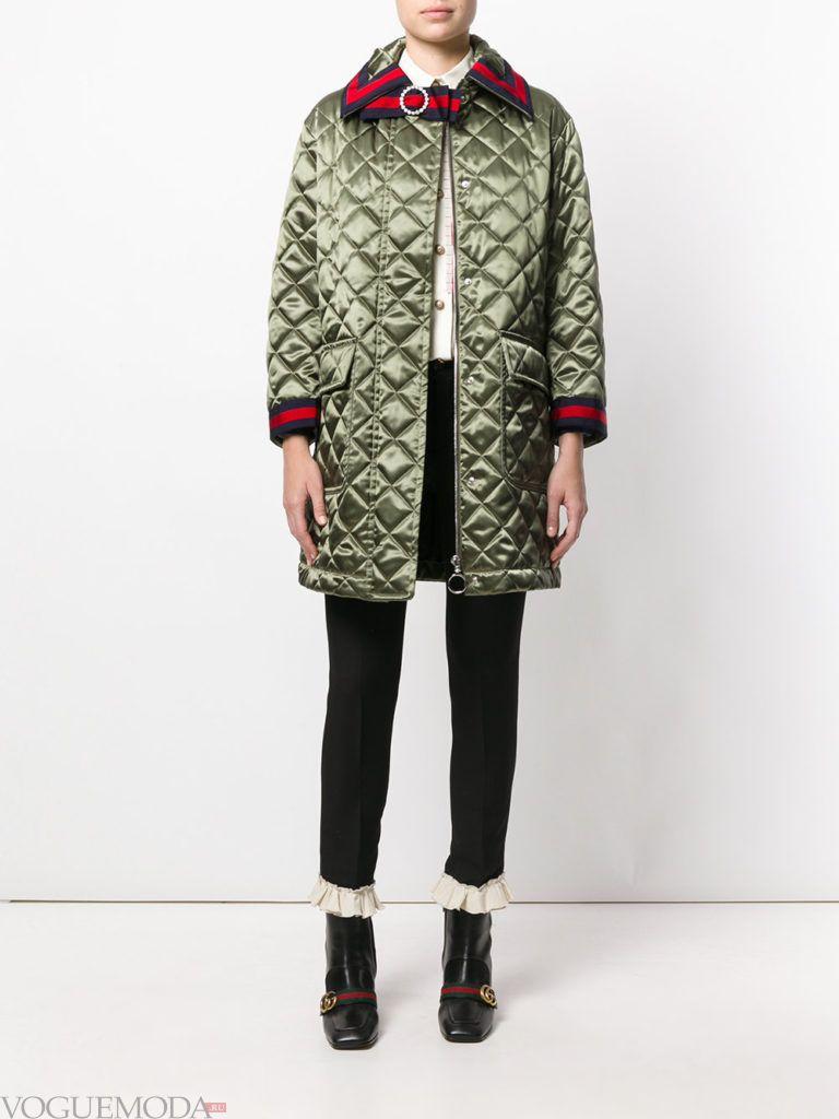 модное стеганое пальто зеленое