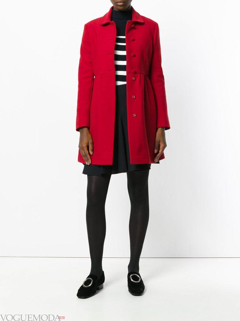 модное классическое красное пальто