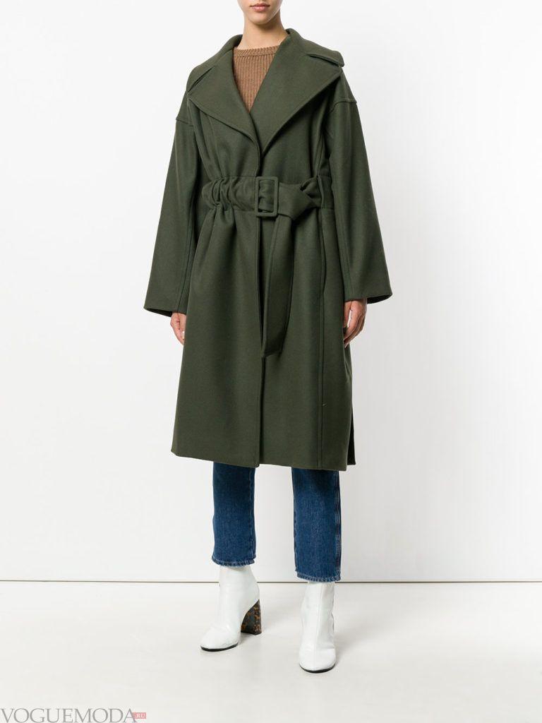 модное пальто в мужском стиле с поясом
