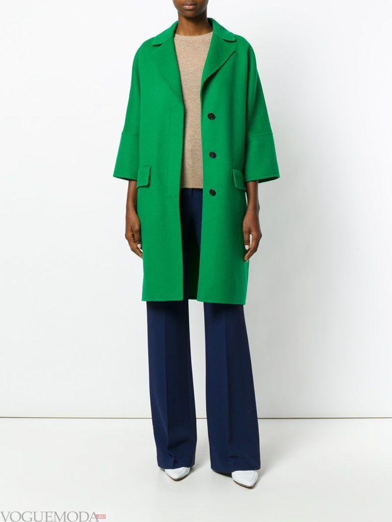 модное короткое пальто зеленое