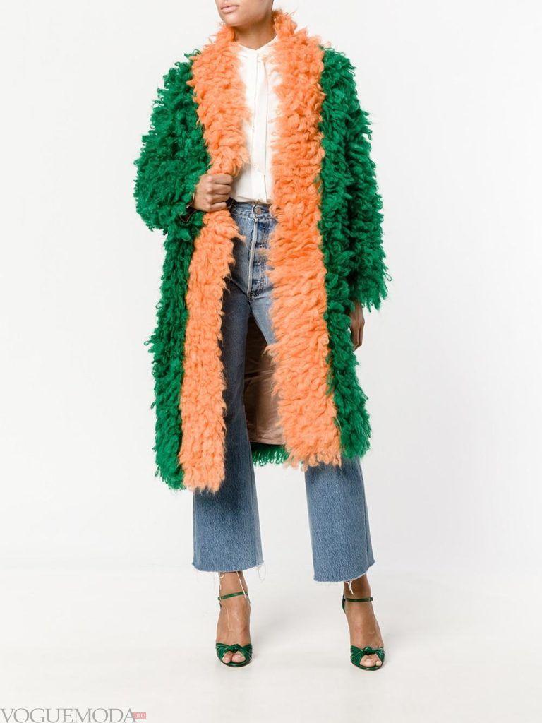 модное яркое пальто двухцветное