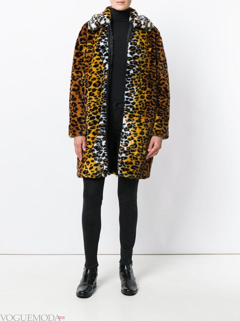 модное пальто с хищным принтом оверсайз