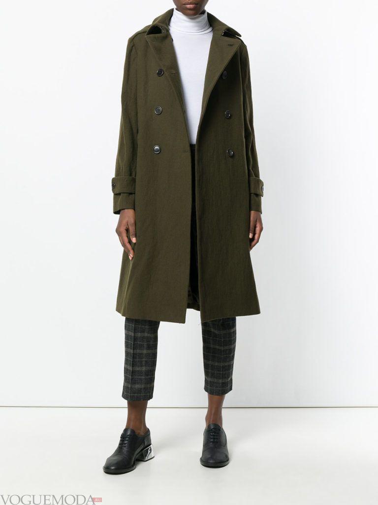модное цветное пальто милитари