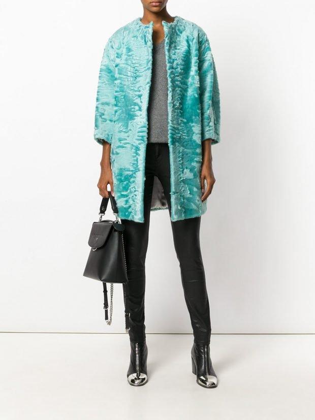 модное бирюзовое пальто