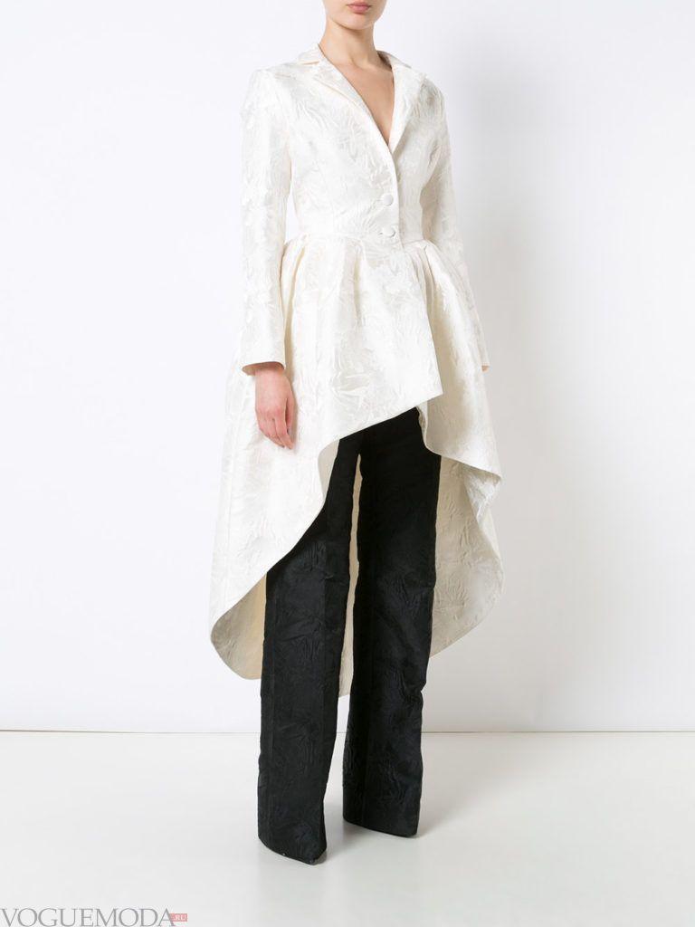 женский пиджак с асимметрией белый