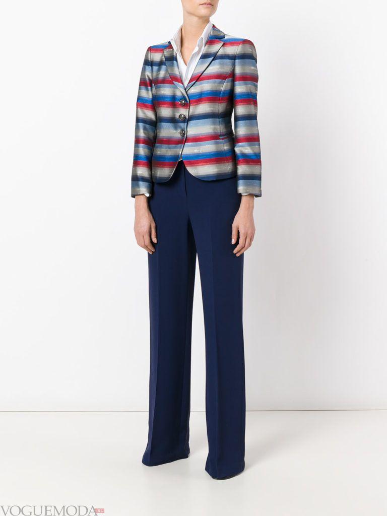 модный женский пиджак в полоску