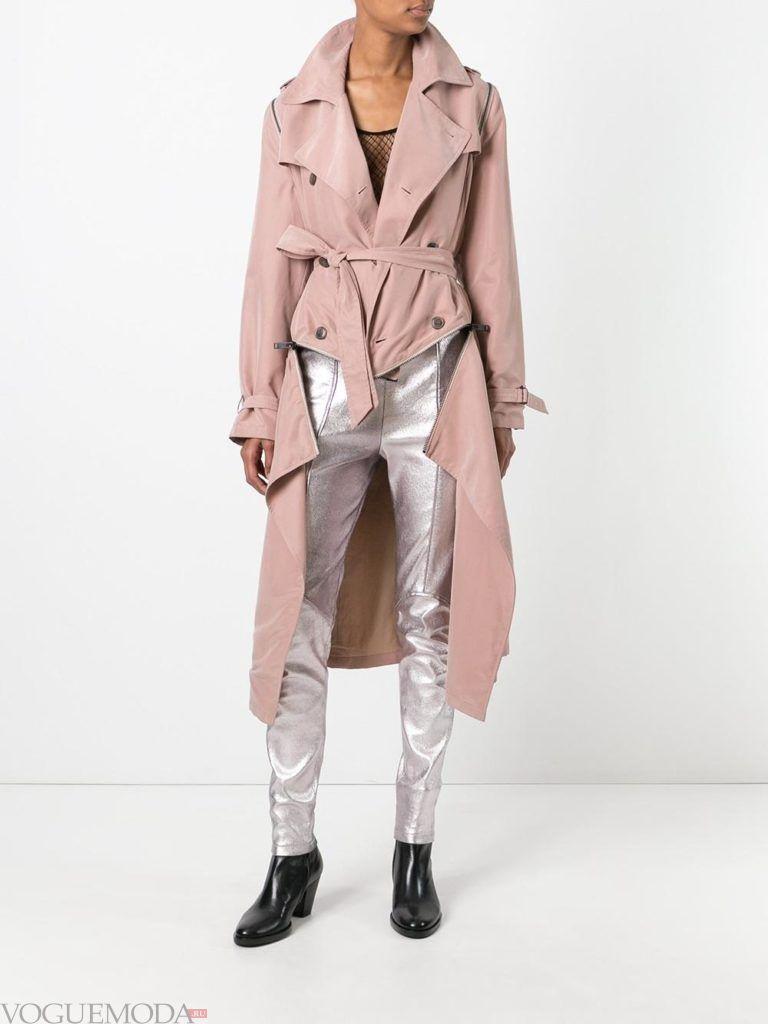 модный плащ розовый