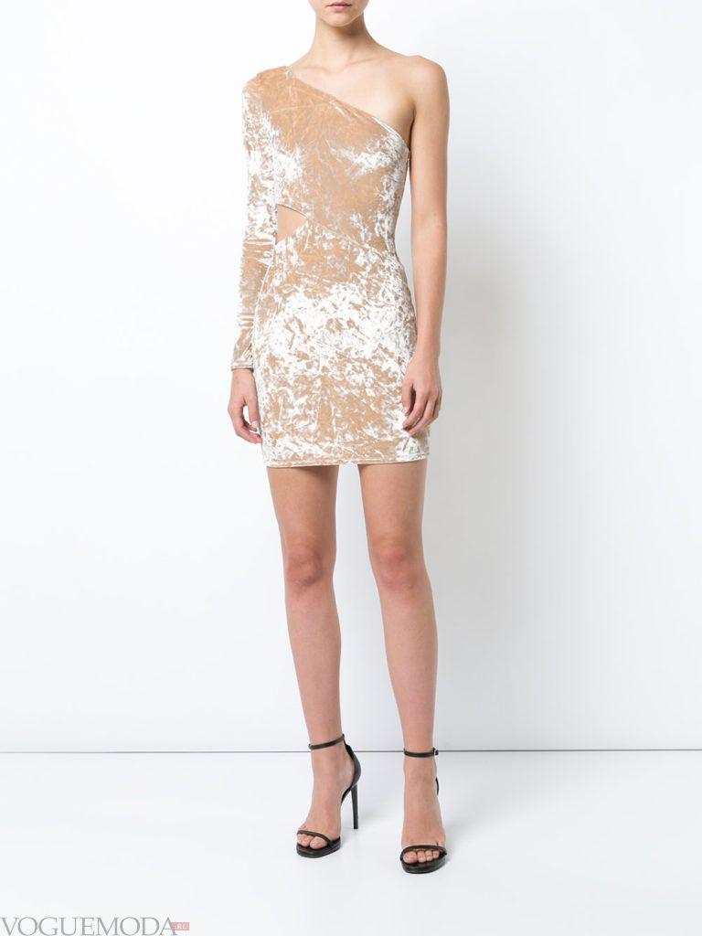 модное инфантильное мини платье светлое